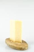 Zrající sýr Parmigiano Reggiano 24 měsíců 250 g title=